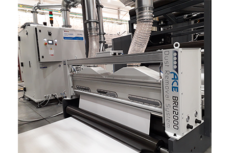 BRU2000 effective dust removal on carton board printing